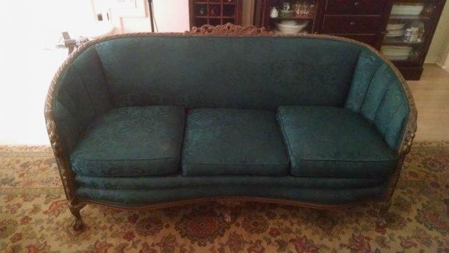 meek antq sofa